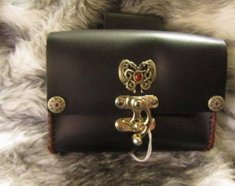 Customizable DragonMedallion Medium Leather Belt Bag / Pouch Medieval, Bushcraft, LARP, SCA, Costume, Ren Faire