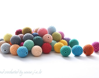 20 wooden round crochet beads balls for jewelry necklase making 2 cm cotton nature friendly - choose any custom color mix & match
