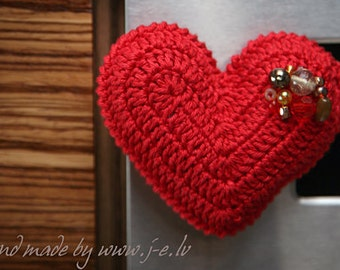Cotton crochet Valentines heart shape magnet with crystals and beads for fridge, decoration or memory boards, red 0904