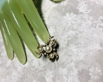 "Vintage 1"" Goldtone Faux Pearl Beaded Detailed Small Pin"