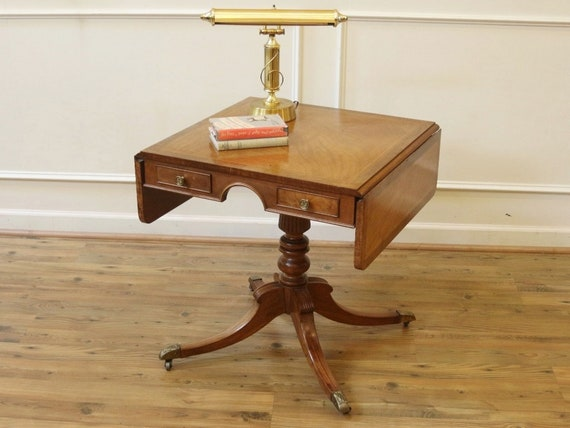 Nice ORIGINAL DUNCAN Phyfe FEDERAL 1940s Mahogany End//Occasional TABLE
