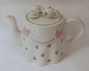 Vintage Tea Party Teapot, Price & Kensington, English. C. 1980.