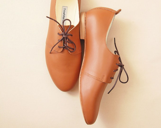 Leather Saddle Shoes in Cognac Brown
