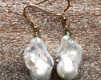 Large Baroque Pearl Gold Earrings, Bridal Pearl Dangles, Peridots And Pearl Jewelry, Modern Pearl Earrings, Anniversary Gift