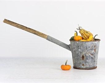 Vintage Galvanized Scoop, Vintage Extra Large Ladle, Galvanized Bucket With Handle, Farm Fresh Decor, Rustic Farm Decor