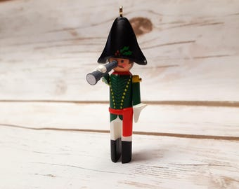 1986 French Clothespin Soldier Hallmark Keepsake Ornament, 5th In the Series