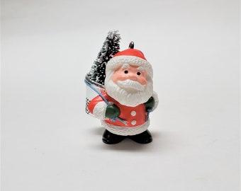 1986 Thimble Santa Hallmark Keepsake Ornament, Number 8 in the Thimble Series