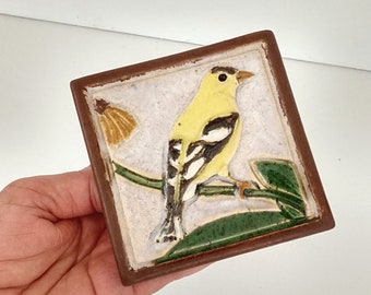 "Goldfinch Arts and Crafts 4""x 4"" Decorative MUD Pi bird tile"