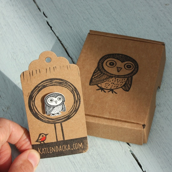 owl pin - free postage in the UK