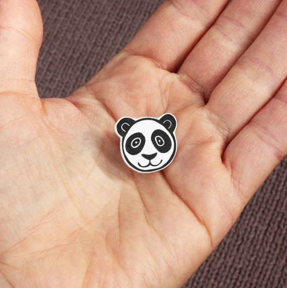 panda bear pin - free postage in the UK