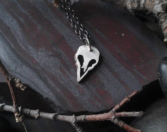 Tiny bird skull pendant .925 Sterling Silver - full
