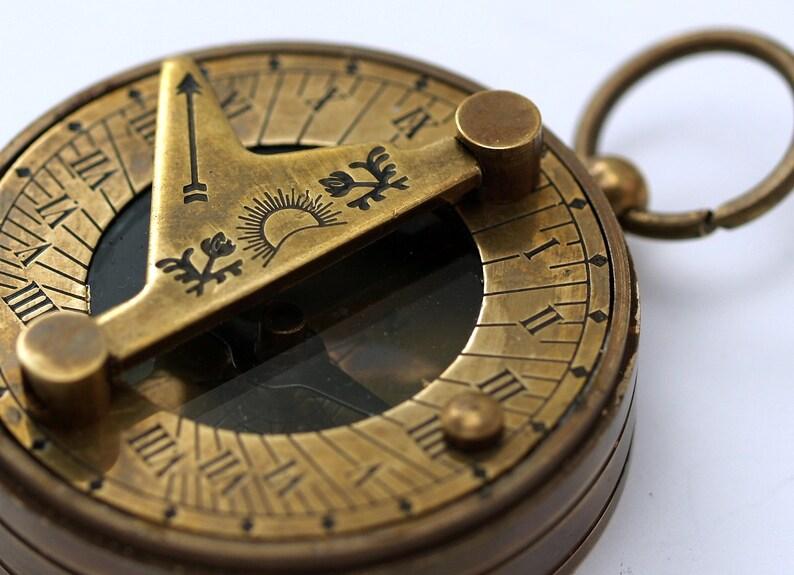 10d6d66ebe7b 20 PC 46 mm brújula y reloj de sol antiguo bronce Vintage