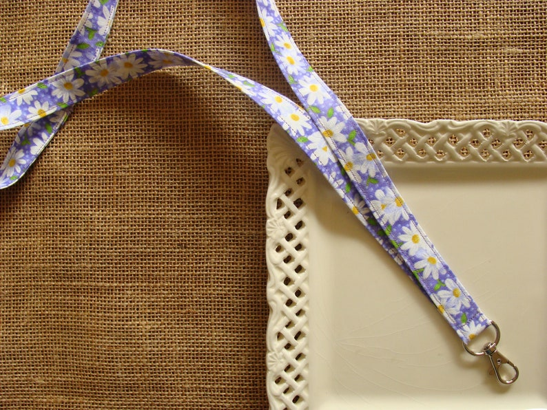 Dots /& Leaves on LAVENDER White Daisys Fabric Lanyard