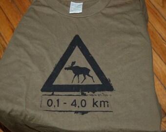 Norwegian Moose Crossing Tshirt Large Adults Army Green