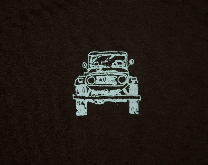 FJ40 Series Land Cruiser LandCruiser Youth Childs Medium  Chocolate Tshirt
