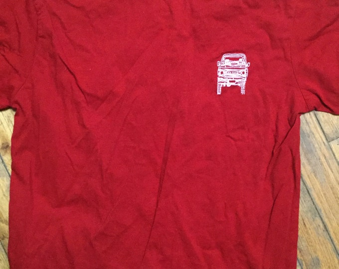 Medium adult FJ60 Series blueprint Land Cruiser LandCruiser red Tshirt