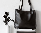Medium Black Leather Tote bag, Front Pocket Bag