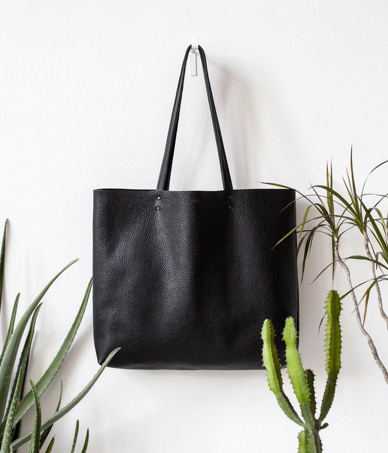 7738cd0742489 Große strukturierte Black Leather Tote Tasche Nr. LTB-1509