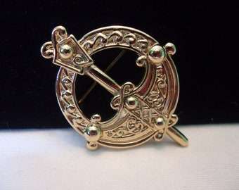 a299da2f577b65 Sol D'or Celtic Kilt Brooch Vintage Pin 1970's Miracle Solvar 18 CT Gold  Plated