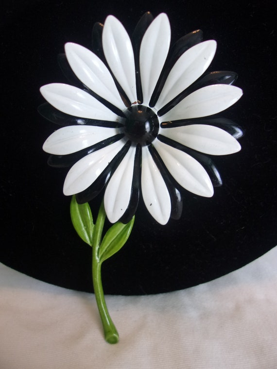 Vintage Black and White Flower Brooch 1960 Flower Power Pin