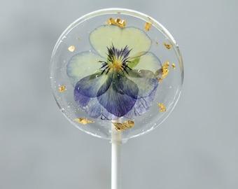 24K Gold Leaf Viola Pansy Flower Lollipops - Bridal Shower Party Favors  - Edible Flower Lollipop - Flower Theme Event - Botanical Candy - 8