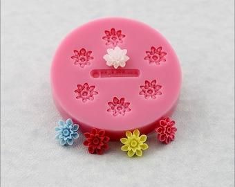 Tiny Mum Flower Silicone Mold Mini Mum resin, polymer clay, (223b)
