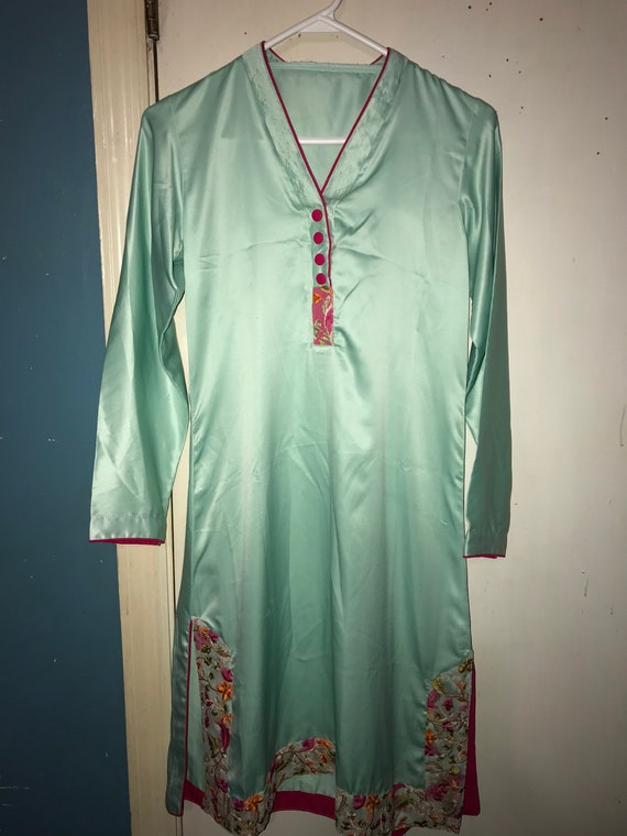 Gorgeous 1960s Vintage Mint Green Nightgown. Asia… - image 1