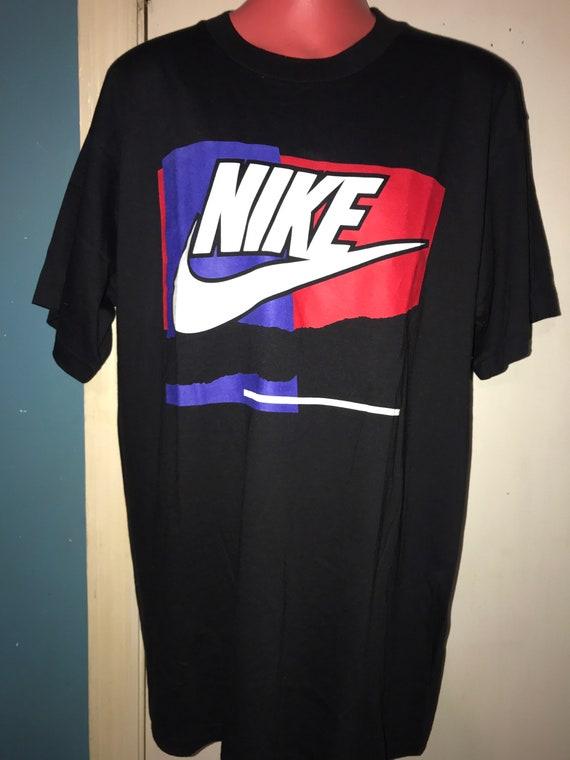 Vintage Nike T-shirt. Black Nike Shirt. Vintage T-
