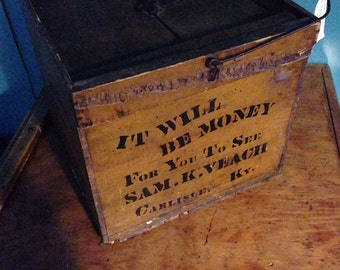 Wooden Box. Vintage Wooden Crate Box With Lid and Metal Handle.