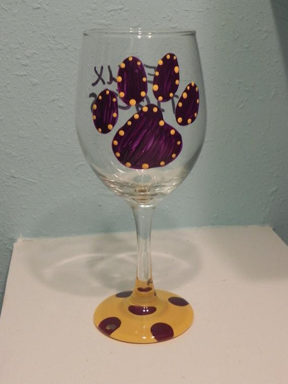 Paws  Wine Glass