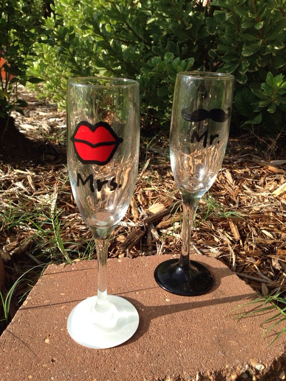 Wedding Wine Glasses with Lips and Mustache Painted Mr & Mrs wedding Champagne Flutes