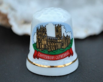 b6f62d5d4f530 Vintage china thimble - Canterbury Cathedral - Souvenir