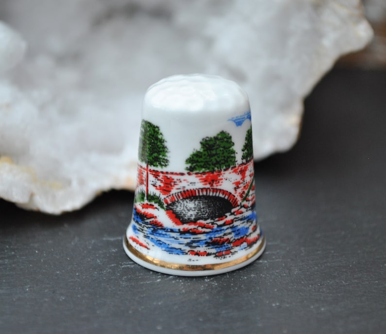 Scotland Vintage china thimble Killin Holiday Souvenir