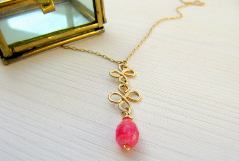 Crystal necklace Pink Jade necklace Gold necklace Gold layered necklace Dainty gold necklace Boho gold necklace Layered necklace Drop