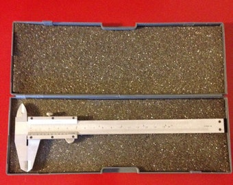 Stainless Steel Vernier Caliper 179mm in Excellent Condition w/ Original Box