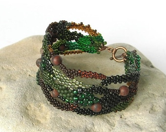Dark Green Freeform peyote bracelet, Beaded jewelry, Beadwork bracelet, OOAK bracelet, Seed bead jewelry, brown, boho jewelry, dark forest
