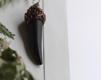 Black Fang Necklace, Witch Necklace, Unisex Gemstone Fang Pendant, Woodland Jewelry, Unisex Fang Necklace