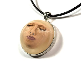 Under water Head necklace, resin head, horror spooky pendant, horror gift, bottled head, macabre doll, horror clay doll, preserved head