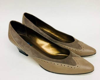 032a8b8d767 Vintage Wingtip VAN ELI Heels