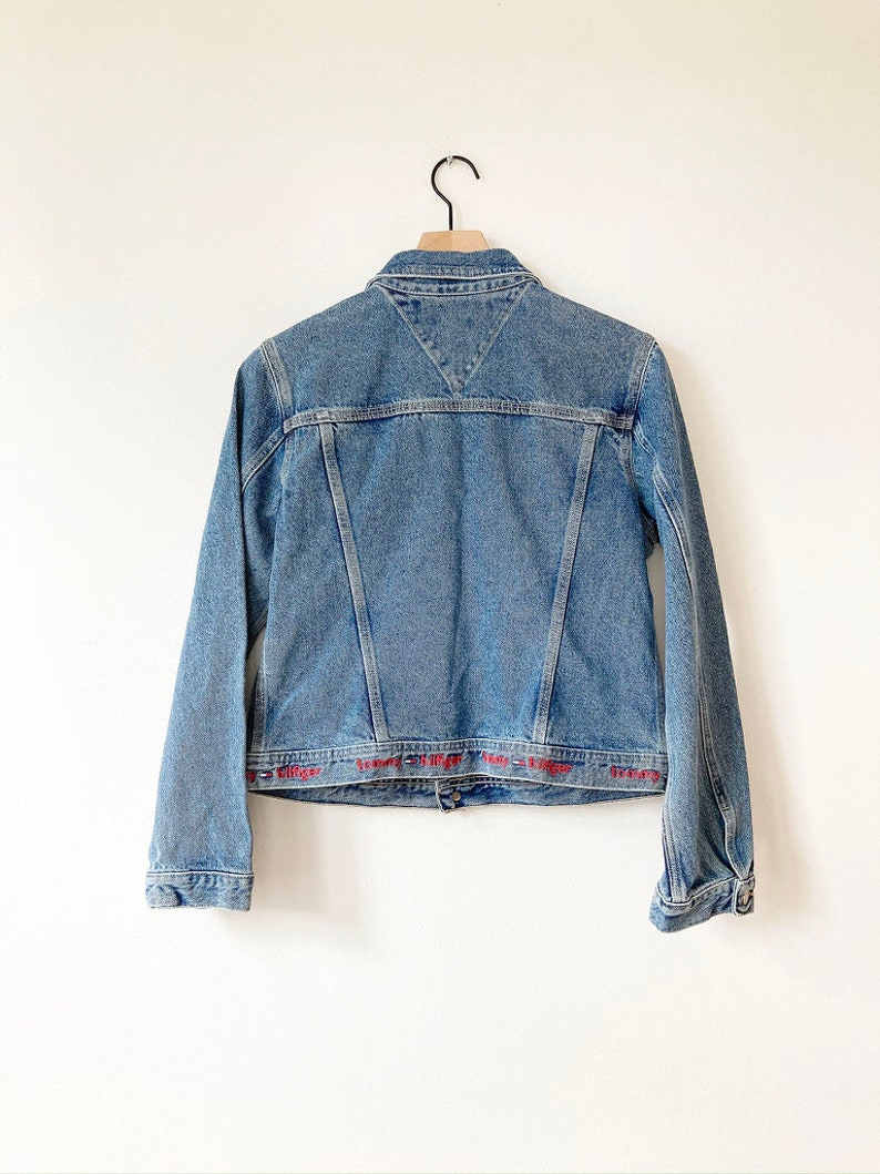 Street Style Amazing Condition Medium Incredible Vintage Tommy Hilfiger Women/'s Denim Jacket with Logo Stitched on Bottom Tommy Hilfiger