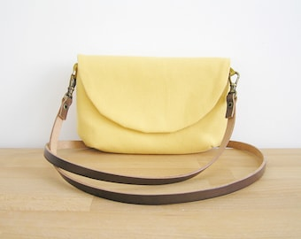 Crossbody bag in yellow for travelling safely, Wee purse, Crossbody purse, Everyday bag, Yellow crossbody bag, Yellow purse, Bag canvas