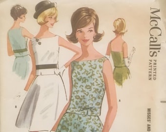 1960's Sleeveless Overblouse and Two-gore Flared Skirt Vintage Sewing Pattern McCall's 6273 Bust 34 RF0033