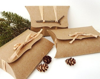"Pillow Boxes - 50 Recycled Kraft DIY wedding favor box, jewellery box, gift card holder, eco packaging - medium 4.5"" x 2.75"" x 1"""