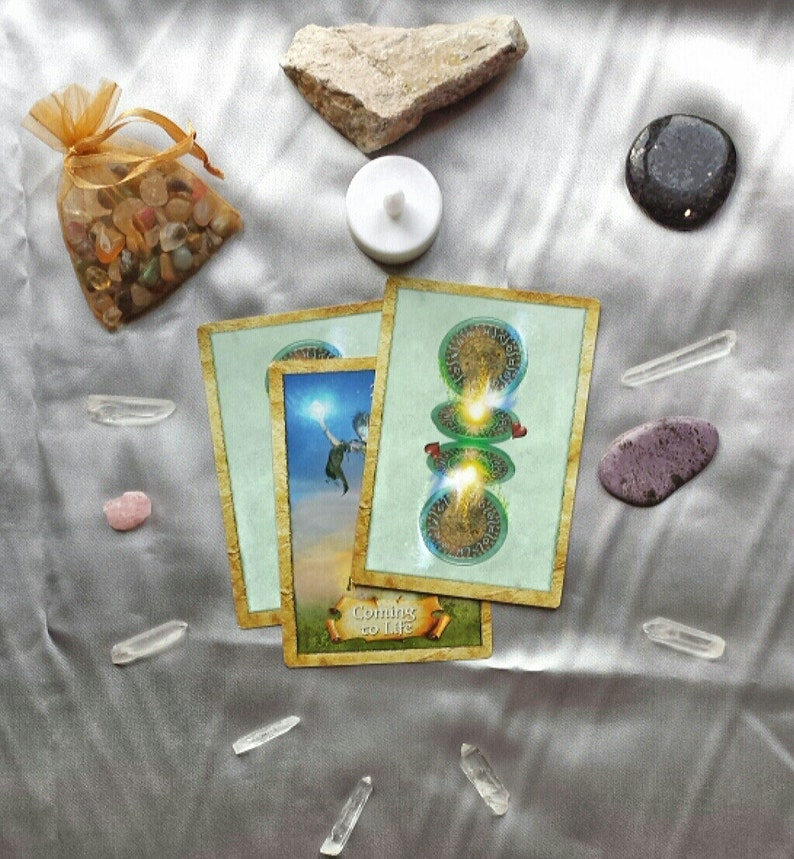 Happy Thoughts No. 1 General Oracle Card Readings image 0