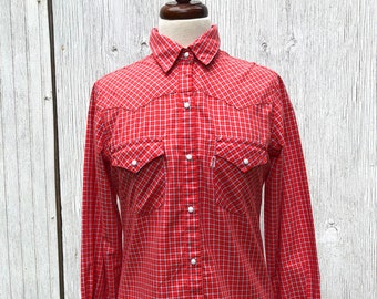 7ebbf76d 70s 80s Levis Women's Western Shirt Red Plaid Snap Pearl Buttons Size M