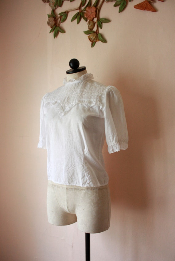 30s 40s Sheer White Blouse with Ruffled Lace Colla