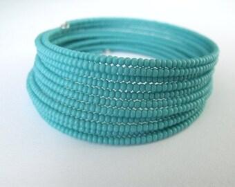 Turquise Bracelet, Seads Beads Memory Wire Beadwork Bracelet, Ocean Blue Beaded Bracelet