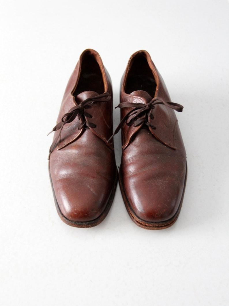 255a41bcabd4 Vintage menswear oxfords The Florsheim Shoe brown leather