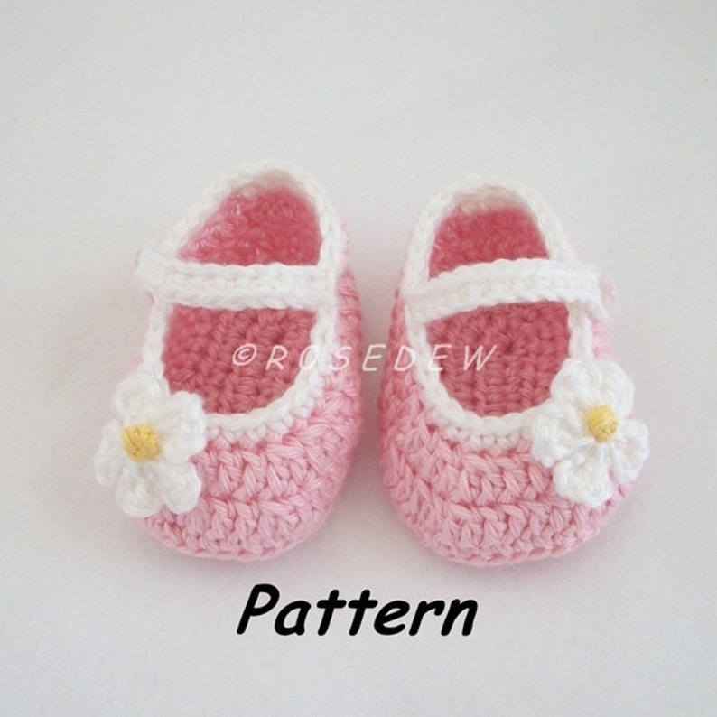 db7782d9e Instant Download to PDF CROCHET Pattern: Basic Mary Jane Baby Shoes with  Posies