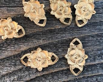 6 brass floral connectors